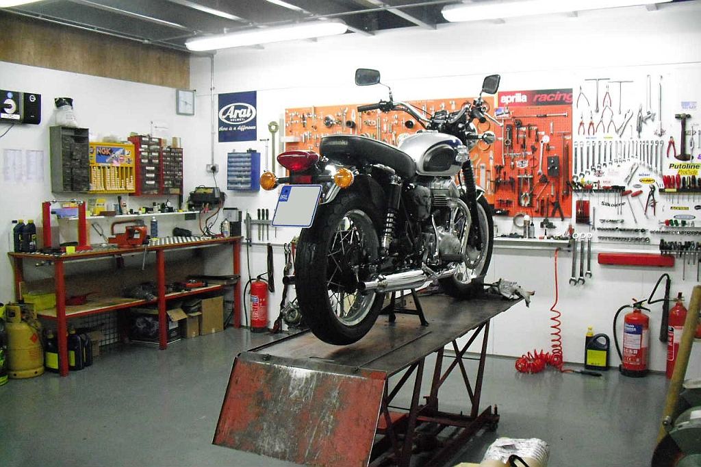 Motorcycle Workshop Wallpaper